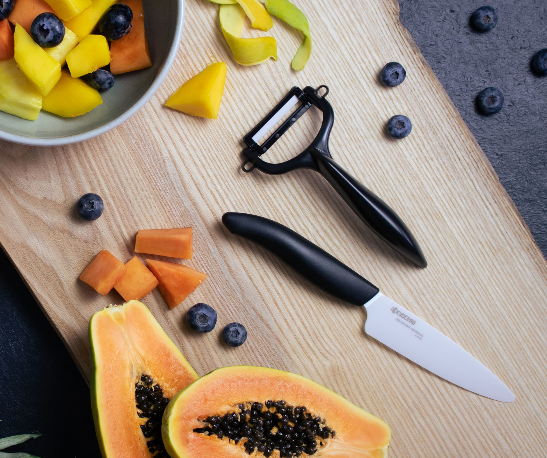 """Picture of 4.5"""" Ceramic Utility and Y Peeler Set"""